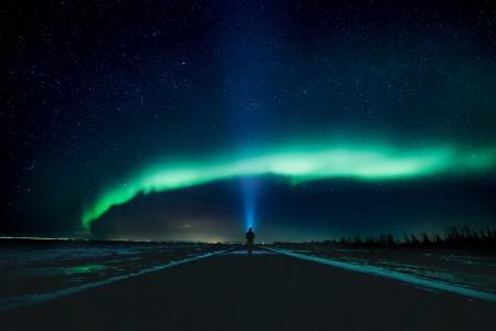 身影 满天的繁星 闪闪发光 夜晚4k风景高端电脑桌面壁纸