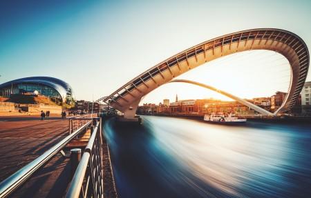 伦敦千禧桥4k高端电脑桌面壁纸
