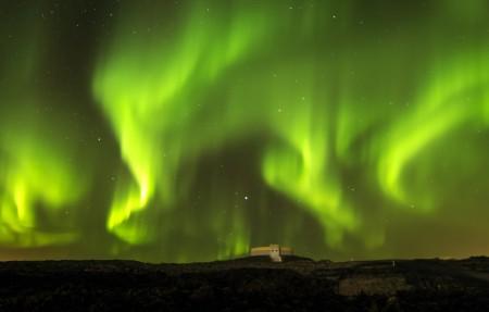 冰岛绿色极光风景4096x2160高端电脑桌面壁纸