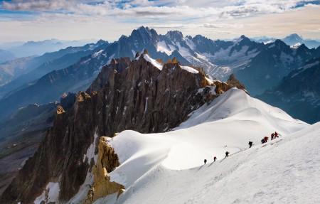 登山4k风景高端电脑桌面壁纸
