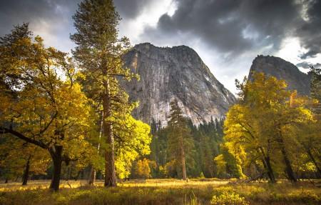 优胜美地国家公园秋天风景4K高端电脑桌面壁纸