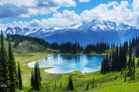 加拿大 冰碛湖 班夫国家公园 湖泊 森林 风景 5K风景高端电脑桌面壁纸