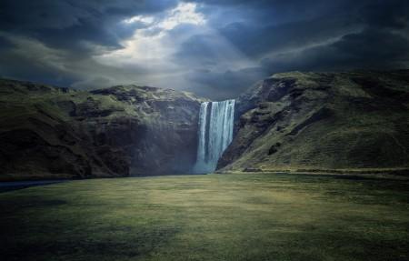 冰岛南部瀑布风景4K高端电脑桌面壁纸 3840x2160