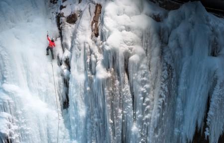 冬天冰川登雪山风景3440x1440高端电脑桌面壁纸