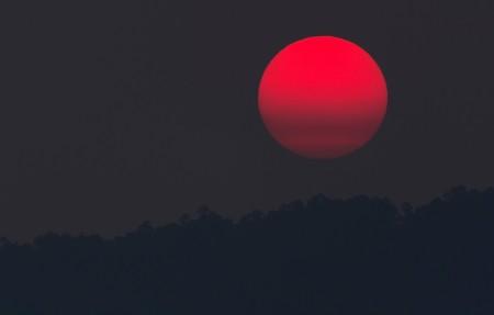 红色的月亮,日落,山,自然风景4k高端电脑桌面壁纸