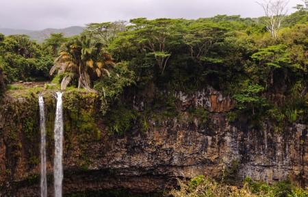 毛里求斯丛林瀑布风景3440x1440高端电脑桌面壁纸