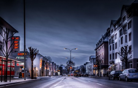 瑞士,晚上,道路,城市,冬天,房子,4K风景高端电脑桌面壁纸