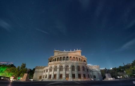 亚美尼亚,埃里温,大厦,夜晚,星空,4K风景高端电脑桌面壁纸