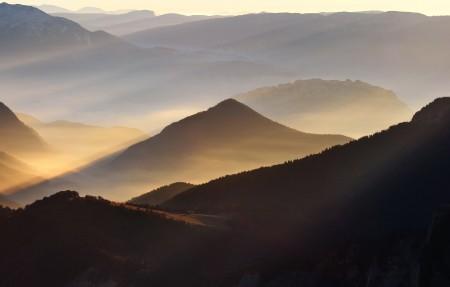 山峰,山脉风景4K高端电脑桌面壁纸