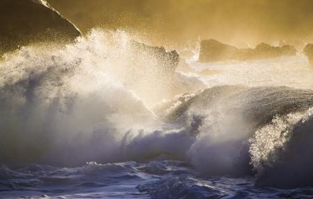 美国夏威夷瓦胡岛 飞溅 巨浪 4K风景高端电脑桌面壁纸