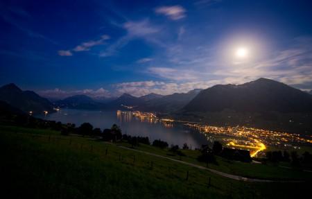 瑞士卢塞恩湖附近的一小撮山脉3840x2160风景高端电脑桌面壁纸