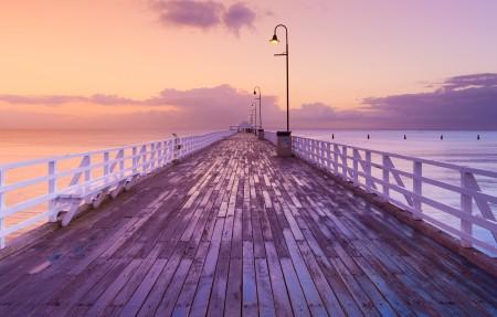 澳大利亚昆士兰布里斯班的码头日出风景3840x2160高端电脑桌面壁纸