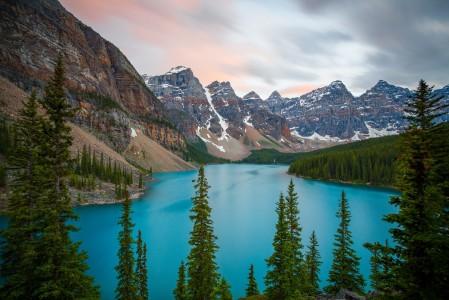 自然风景班夫国家公园湖5K风景高端电脑桌面壁纸