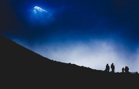 山景,山顶,云,雾,尼泊尔,喜马拉雅山,4K风景高端电脑桌面壁纸