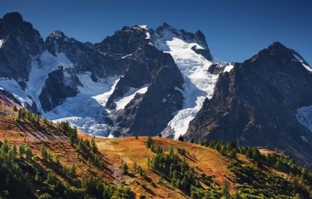La Meije 高山,雪景,树林,4K风景高端电脑桌面壁纸