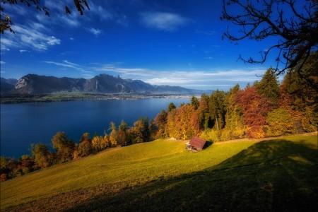 瑞士秋天风景4K高端电脑桌面壁纸