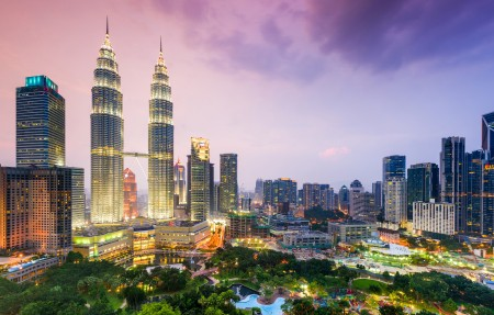 马来西亚,夜晚,吉隆坡,摩天大楼,大都会,城市风景4k高端电脑桌面壁纸 3840x2160
