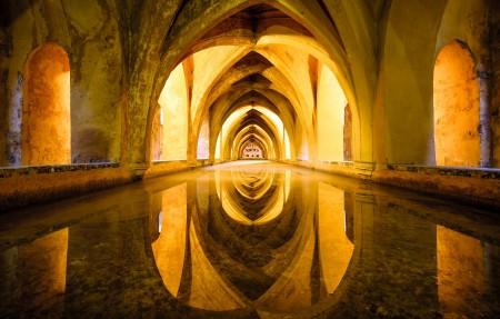 西班牙塞维利亚皇家城堡4K风光高端电脑桌面壁纸 3840x2160大图
