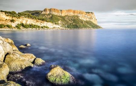 法国 卡西斯灯塔 海滩 地中海 4K风景高端电脑桌面壁纸