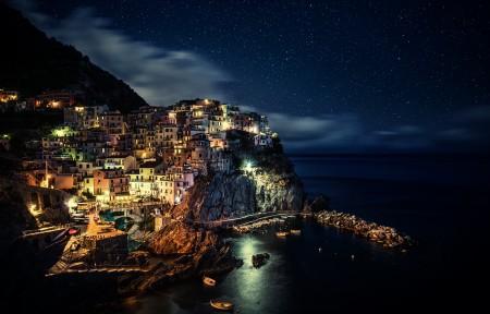 意大利五渔村,晚上,天空,星星,4K风景高端电脑桌面壁纸