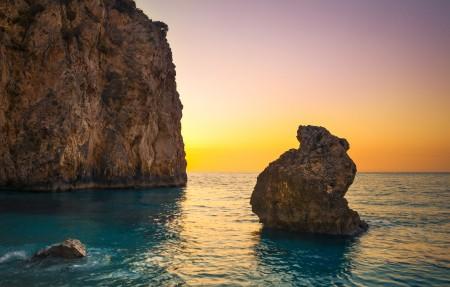 希腊 米洛斯海滩4K风景高端电脑桌面壁纸