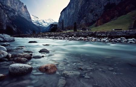 瑞士劳特布龙嫩 山川 河流风景3840x2160高端电脑桌面壁纸
