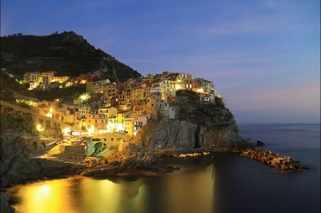 晚上 天空 意大利五渔村风景5K高端电脑桌面壁纸