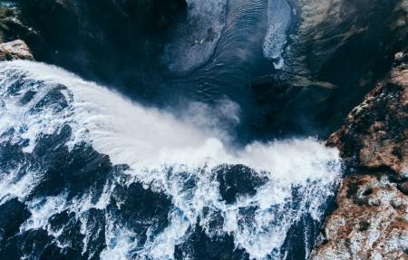 壮观瀑布河流风景4K高端电脑桌面壁纸