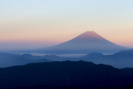 黎明 雾 日本富士山4K风景高端电脑桌面壁纸