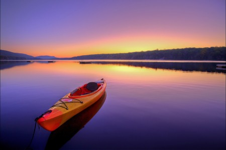 日出 宁静 皮划艇 夏天 河 4K风景高端电脑桌面壁纸