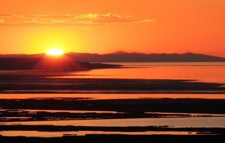 大盐湖的日落4K风景高端电脑桌面壁纸