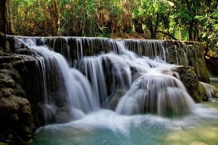 邝泗瀑布 大瀑布 水 老挝 自然 琅勃拉邦 瀑布风景4K高端电脑桌面壁纸