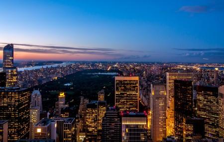 黄昏时分的纽约天际线4K风景高端电脑桌面壁纸