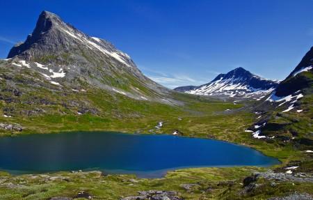 高山 湖水 美丽的挪威风景3840x2160高端电脑桌面壁纸