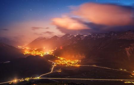 夜晚美景 瑞士圣莫里茨附近的山顶风景3840x2160高端电脑桌面壁纸