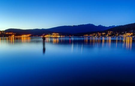 不列颠哥伦比亚省穆迪港 海边夜景4K高端电脑桌面壁纸
