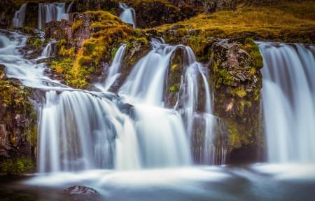 秋天 冰岛 瀑布4K风景高端电脑桌面壁纸