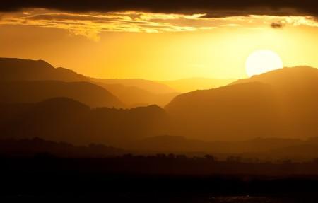 太阳 云层 山脉 4K风景高端电脑桌面壁纸