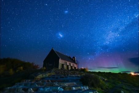星空 教堂 南极光 5K风景高端电脑桌面壁纸