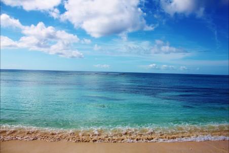 沙滩 海水 海浪 大海风景4K高端电脑桌面壁纸