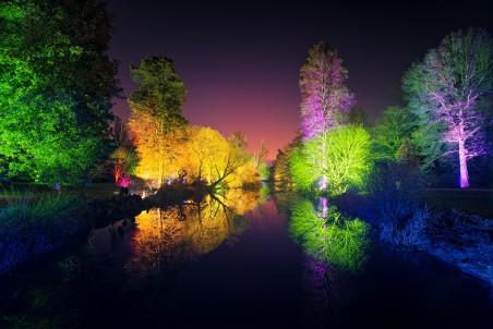 伦敦西昂公园 七彩灯 4K风景高端电脑桌面壁纸