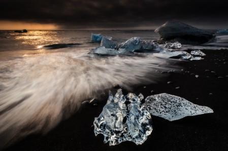 冰岛 海滩 浮冰 4K风景高端电脑桌面壁纸