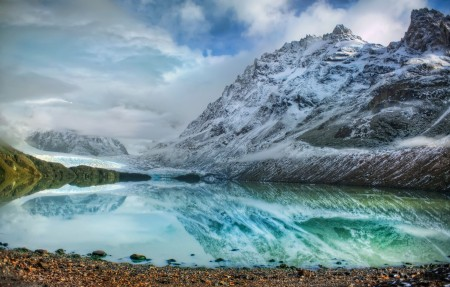 山地冰川湖6K风景图片