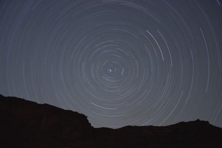 夜晚 星轨 5K风景高端电脑桌面壁纸