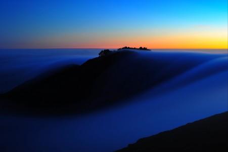 上午,山,雾,自然风光4K高端电脑桌面壁纸
