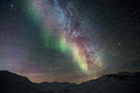 北半球极光 星星 星空风景4K高端电脑桌面壁纸