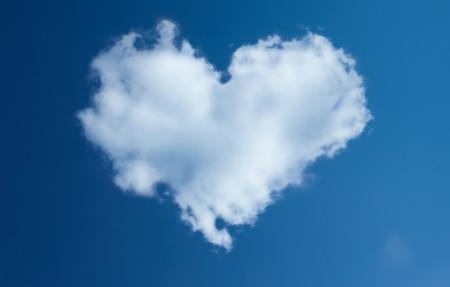 心 天空 云 蓝色的天空 4K风景高端电脑桌面壁纸