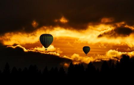 旅行 气球 天空 日落 云 神秘 假期 天气 8K高端电脑桌面壁纸