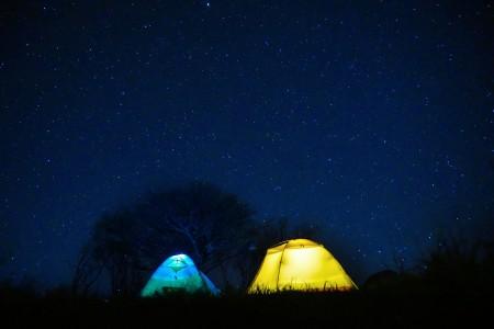 星空 帐篷 夜晚 星际 6K高端电脑桌面壁纸