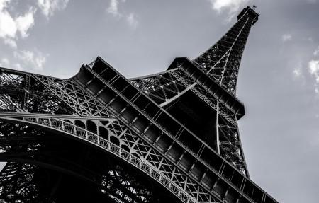 法国巴黎 建筑 黑白照片 埃菲尔铁塔4K高端电脑桌面壁纸